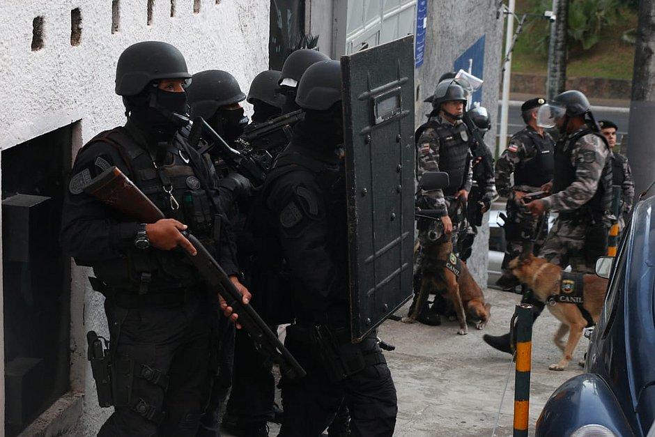 Associação de Praças na Bahia é interditada em Salvador e interior