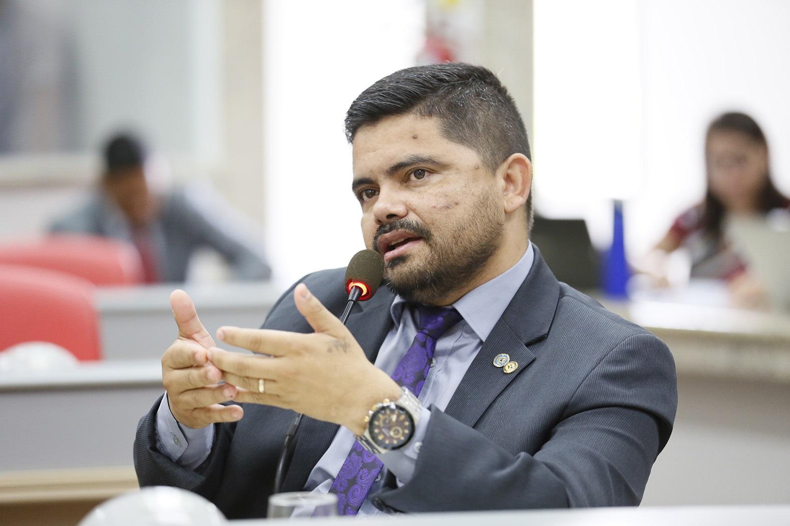 Jesuino repudia atitude covarde do senador Cid Gomes que tentou matar policiais militares no Ceará